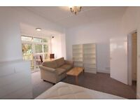 WILLESDEN GREEN - Fabulous Newly Renovated STUDIO GARDEN Flat, Fully Furnished, Quiet & Bright - NW2