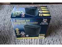 Paper shredder A4 stripe cut