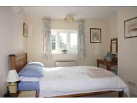 3 bedroom flat in North Road, West Drayton