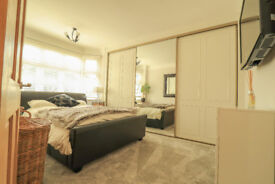 Fully furnished luxurious king sized room to rent in a prestige house in Bournemouth