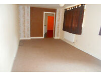 !!!Amazing 2 bed flat available now! Arundel St, Stockbrook 425 PCM!!! *Water and Electric Included*
