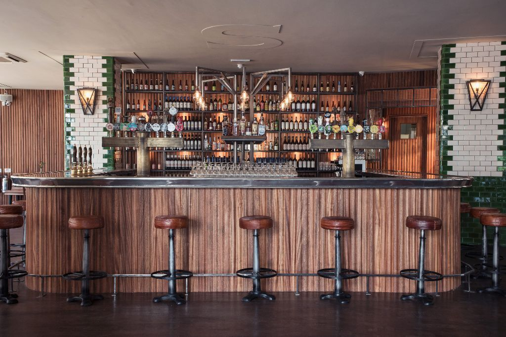 Full & Part time bar / waiting staff wanted for the Singer Tavern, Old Street-Monday to Saturday