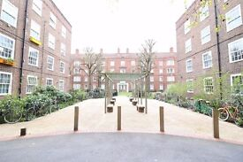 Hackney Central E9 // 1st floor 3 HUGE Dble bed flat // Available mid Dec // WITH BALCONY!! CALL NOW