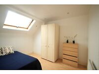Cosy Double Room perfect for couple in King's Cross, 4min to Mornington Crescent, 33C