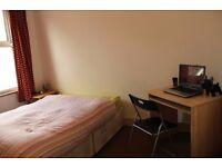 Spacious Room E17 w Living area - 460pcm bills inc