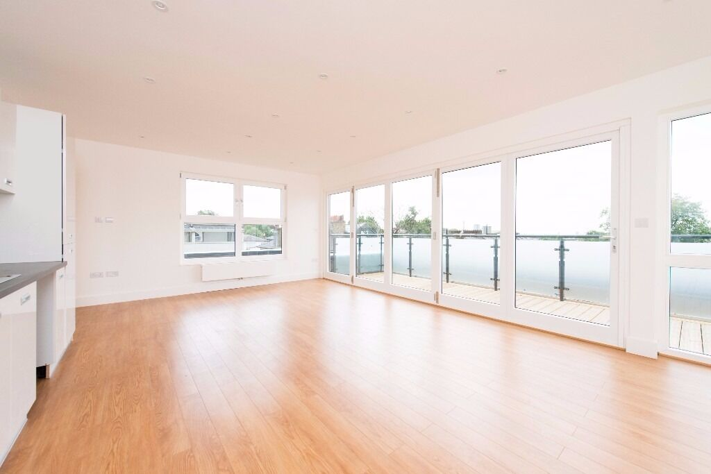 Brand New, Loft Style, Great Location, Large Terrace, Excellent Light, Modern, High Spec Finish