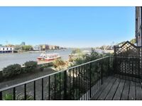 IMPRESSIVE 3 BEDROOM TOWN HOUSE OVER LOOKING THE THAMES - MUST SEE!