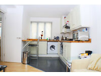 Well - presented fully furnished studio apartment in Aldgate