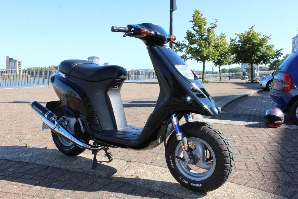stunning piaggio typhoon 125 xr 2 stroke scooter moped not gilera runner 50 70 172 180 183 200. Black Bedroom Furniture Sets. Home Design Ideas