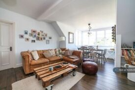 3 bedroom flat in Hamilton House, London, SW15 (3 bed) (#1029535)