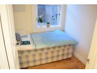 Single room in newly refurbished property in Tooting Broadway.