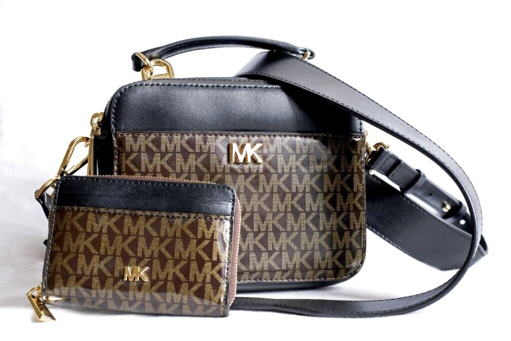 02f034f1646c Michael Kors Crossbody Bag + coordinate Wallet. Willesden Green, London  £170.00. https://i.ebayimg.com/00/s/NjgzWDEwMjQ= ...