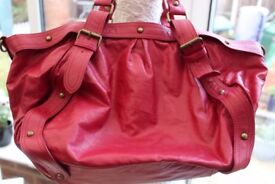 Warehouse red handbag - in excellent condition