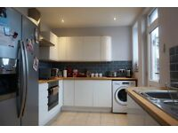 CHEAP!! MODERN!! 2BEDROOM IN WOOLWICH!! HURRY HURRY!!