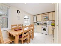 LARGE 2/3 DOUBLE BEDROOM MAISONETTE WITH PATIO GARDEN MOMENTS FROM KENTISH TOWN TUBE STATION