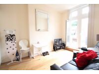 N5 Archway Road - Spacious one bedroom flat with large roof terrace 7 mins walk to Highgate station
