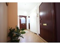 Spacious 3 Bedroom Flat to Rent in Southside Glasgow with Excellent Transportation Links