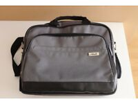 Asus genuine laptop bag for 15.6'' laptop.