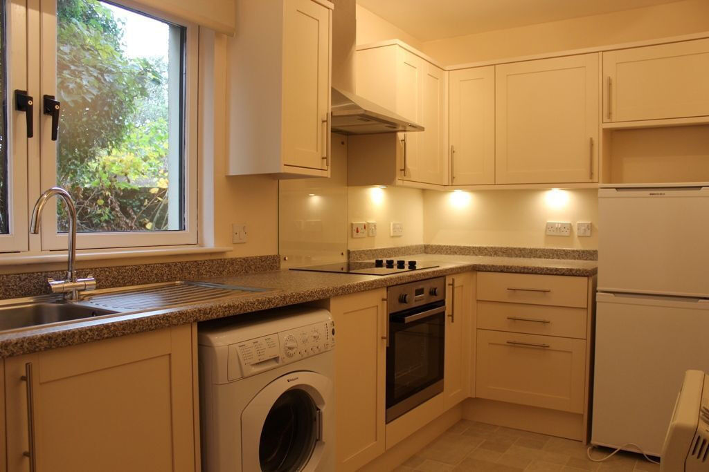 2 Large double bedrooms flat in Hainault