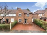 Huge 3 bed house on quiet Acton road