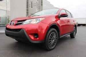 2015 Toyota RAV4 LE - ALL WHEEL DRIVE -