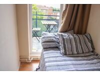 Cozy single room with private balcony!