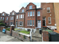 A spectacular 1 bedroom apartment situated in the heart of Camden NW5