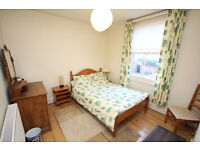 3 rooms available in large 3 bedroom Apartment situated in Avenue Road, leamington Spa