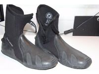 A cheap Fourth Element diving boots with fins