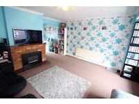 THREE BEDROOM HOUSE FOR SALE ADEYFIELD HEMEL HEMPSTEAD £375,000 TOWN CENTRE