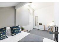 2 bedroom flat in Egerton Road, Manchester, M14 (2 bed) (#958097)
