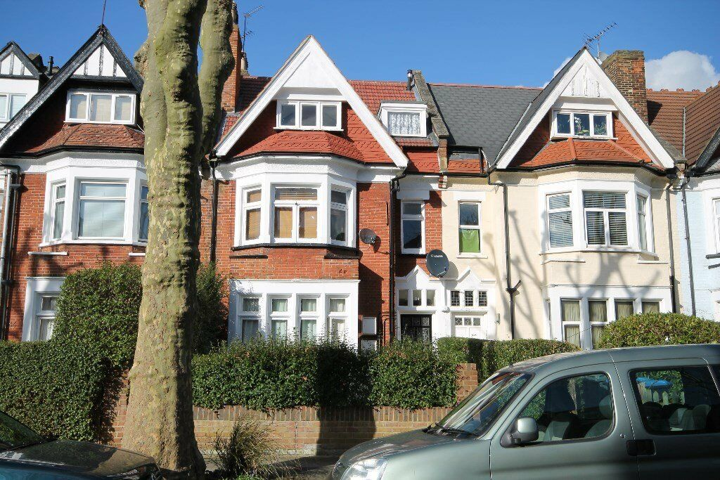 NICE 3 BEDROOM FLAT MINUTES FROM WILLESDEN GREEN TUBE-PREMIUM LOCATION! CALL NOW ON 020 8459 455!!