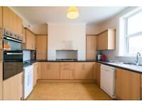 Bright room to rent in New Eltham ***************