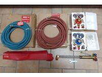 OXY / ACETYLENE CUTTING KIT, REGULATORS, PIPES, TORCH, BRAND NEW, BOC, NOT CHEAP ONES, £200
