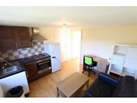 INC ALL BILLS. 1 BED FLAT N13, moments from Palmers Green Train, BOUNDS GREEN Tube & Train