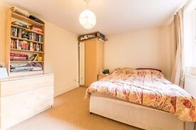 FANTASTIC TWO DOUBLE BEDROOM PROPERTY WITH LARGE LIVING SPACE, 4 MINUTES FROM VAUXHALL UNDERGROUND!