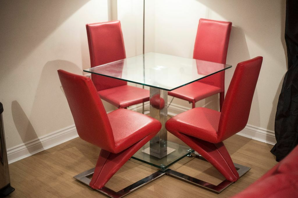 glass dining table and 4 red chairs in clarkston glasgow gumtree