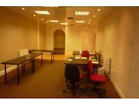 £270 pw | A spacious commercial shop on a busy street in Islington/Upper Holloway