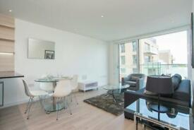 2 bedroom flat in City View Apartments, Woodberry Down, Finsbury Park N4