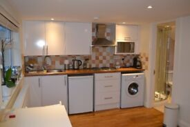 Beautiful studio flat.Hendon.All bills included!
