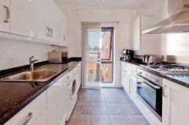 TWO BEDROOMS - CANNING TOWN - BALCONY