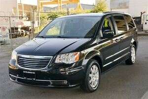 2013 Chrysler Town & Country Touring Loaded Dual Rear DVD! Coqui