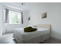 SHORT LET. Large 4-Bed With Private Balcony In Central London