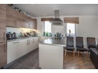 3 bedroom flat in Kinetica Apartments, Dalston, E8