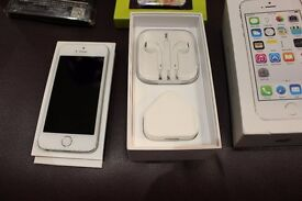 Iphone 5S brand new comes with Ted Baker case and screen protector