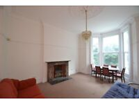Nice and spacious 1 bed flat in Ealing Broadway, Haven green, W5