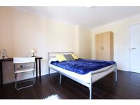 Double Bed in Rooms to rent in a 4-bedroom apartment in East Acton