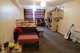 Flexible Furnished Studio in City Centre Available from June 2017