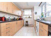 A spacious three bedroom purpose built in Hollies Way, Temperley Road - £2050pcm