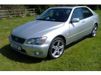 selling my wifes lexus as she has now retired , some service history tested till december 2017
